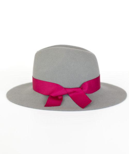 szary kapelusz indy wiązany wstążką różową