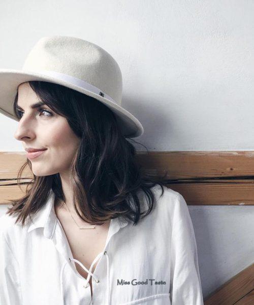 kapelusz fedora biały elegancki
