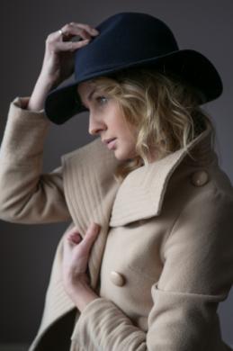 kapelusz indy romantic na modelce