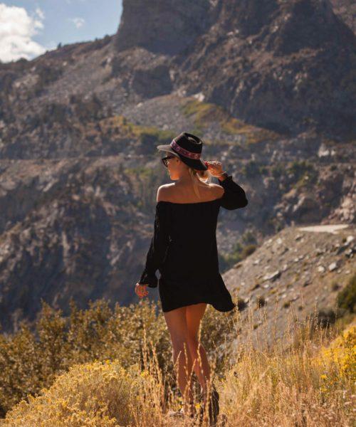 folkowe kapelusze i przyroda