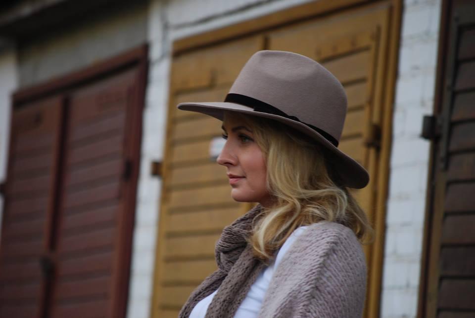 kapelusz stylizacja hathat