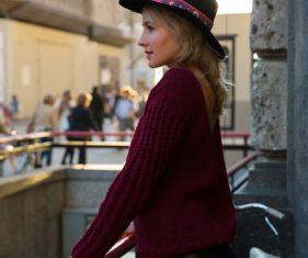 czarny kapelusz z rondem stylizacje modowe