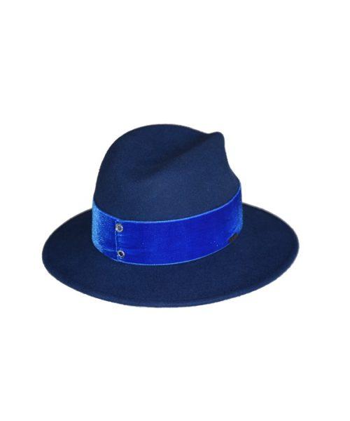 niebieski kapelusz z nowej kolekcji hathat