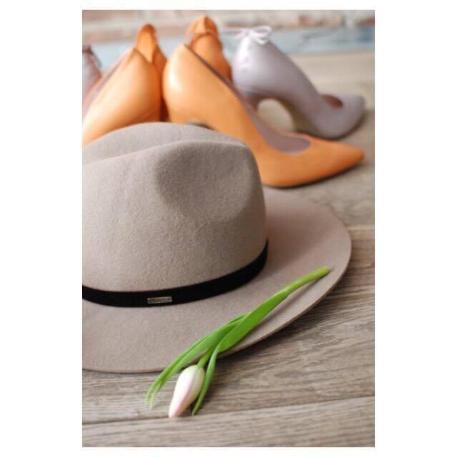 kapelusze indy sand konkurs